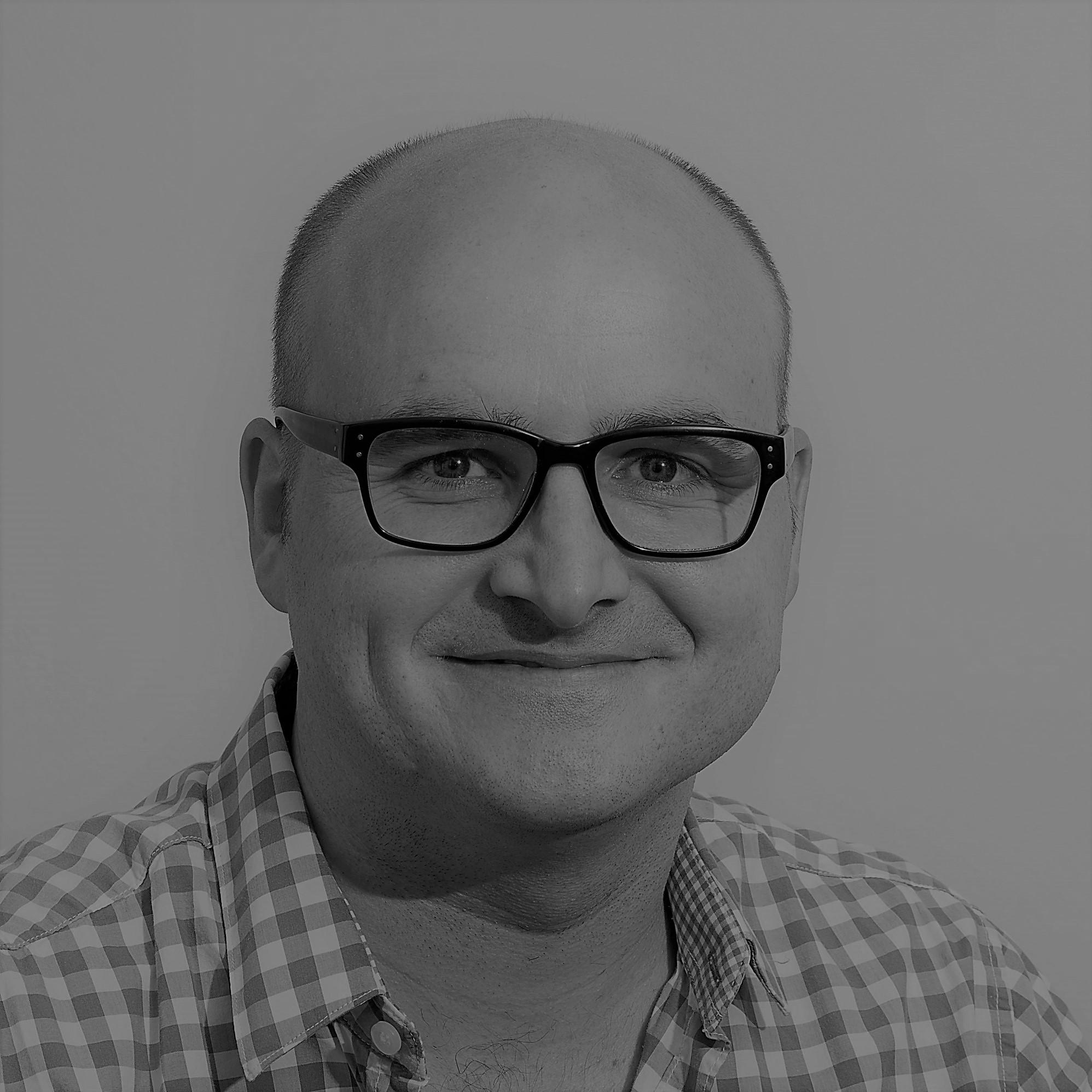 Dr Tiaan Oosthuizen